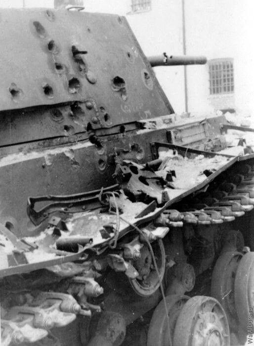 KV1 tank destroyed german shells